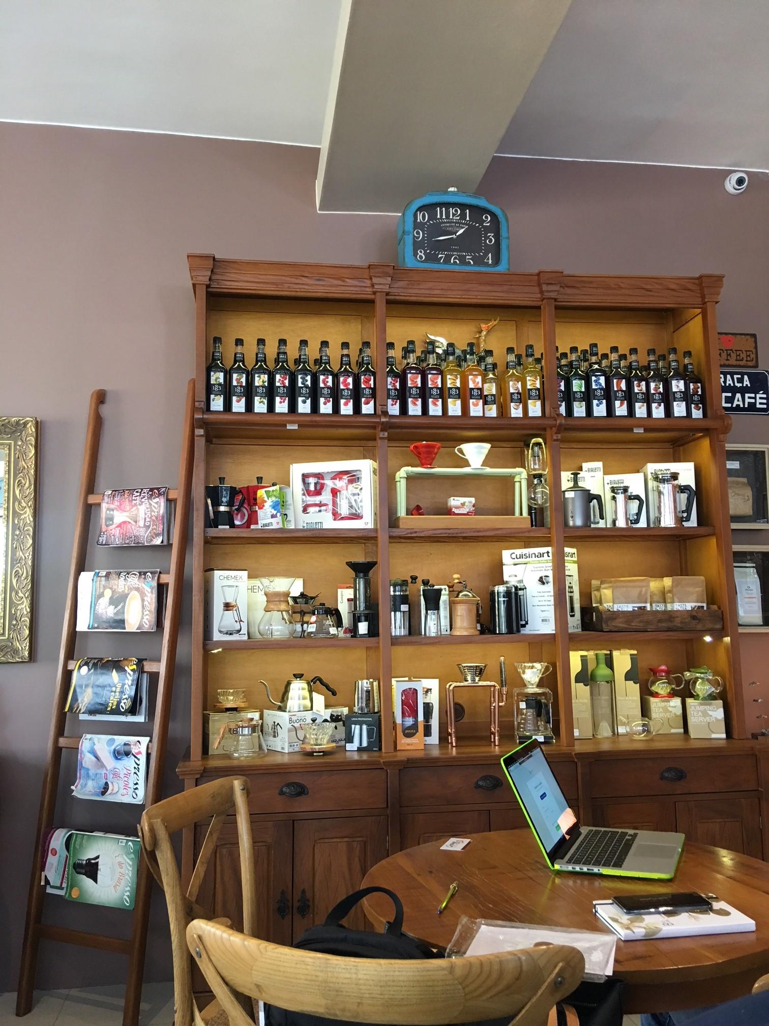Visitamos o Grassy Spazio Caffè