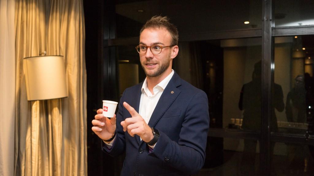 Uma noite com o barista italiano Stefano Giannini